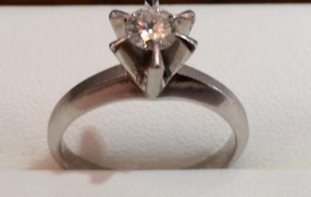 昔の婚約指輪 大分