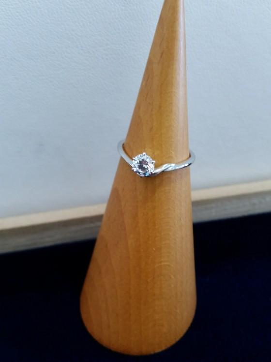 青星 大分婚約指輪