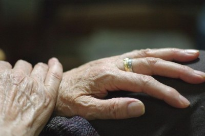 Alzheimers-patients-brains-boosted-by-belting-out-Sound-of-Music-400x266