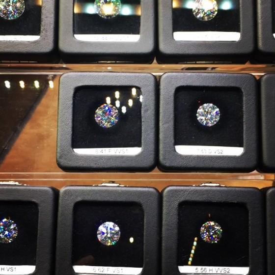 8カラットのダイヤ