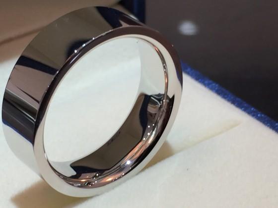 幅広鍛造結婚指輪